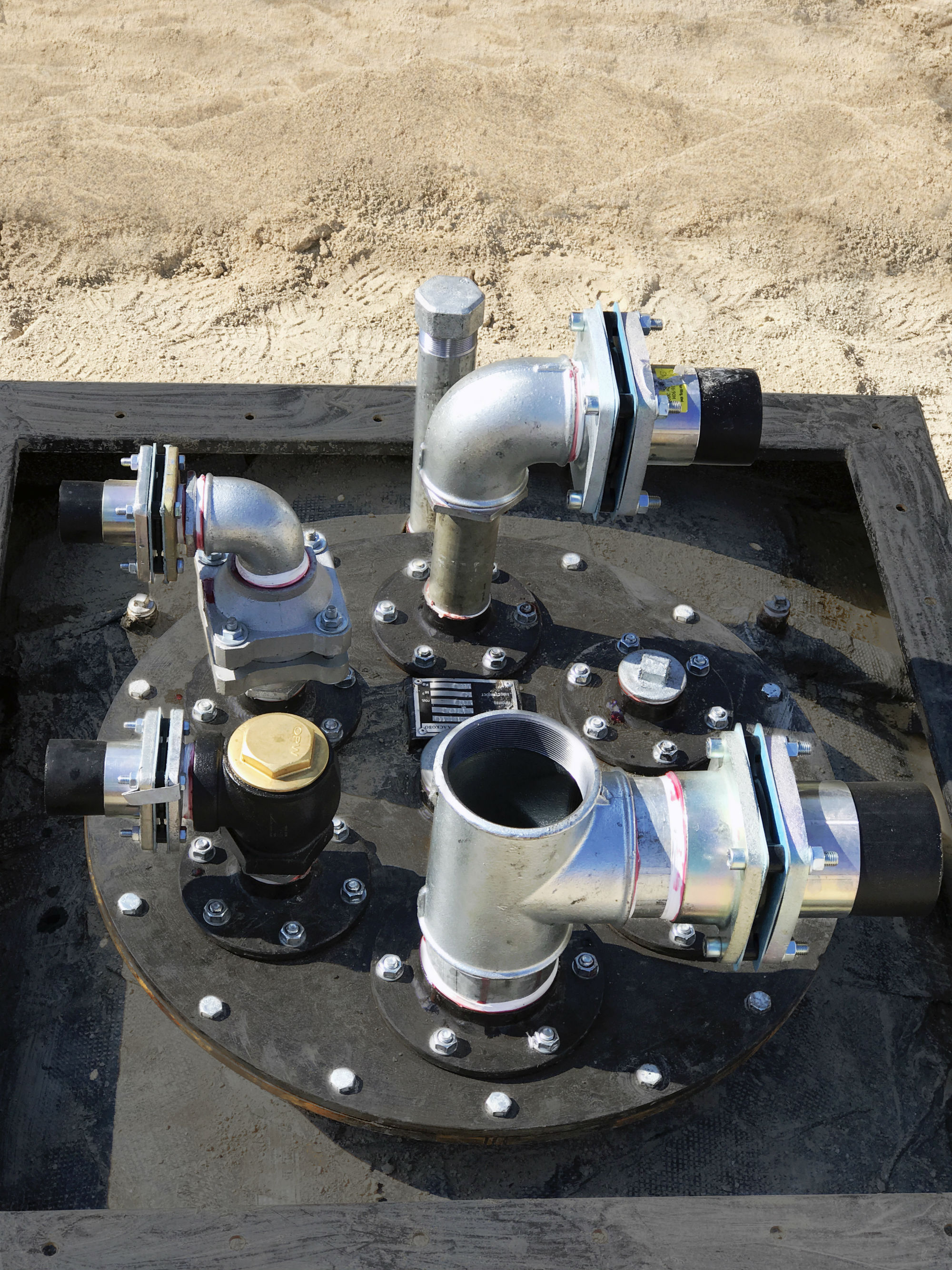 OPW 14NL angled check valve allows manual fuel flow control